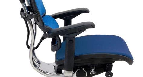 poltrone ergonomiche per ufficio caratteristiche delle sedute ergonomiche cura dei mobili