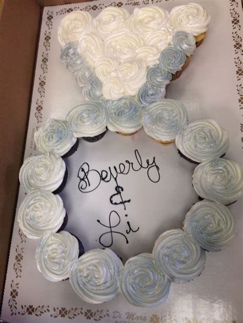 Wedding Ring Cupcakes by Engagement Ring Cupcake Cake Enjoy Decorating