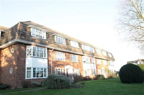 2 bedroom house to rent in sutton thicket road sutton 2 bedroom flat to rent sm1