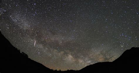 Meteor Shower New York by Lyrid Meteor Shower Is Spectacular Albeit Obscured The