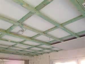 gipskarton decke decke abh 228 ngen mit dachlatten gipskarton so wird es