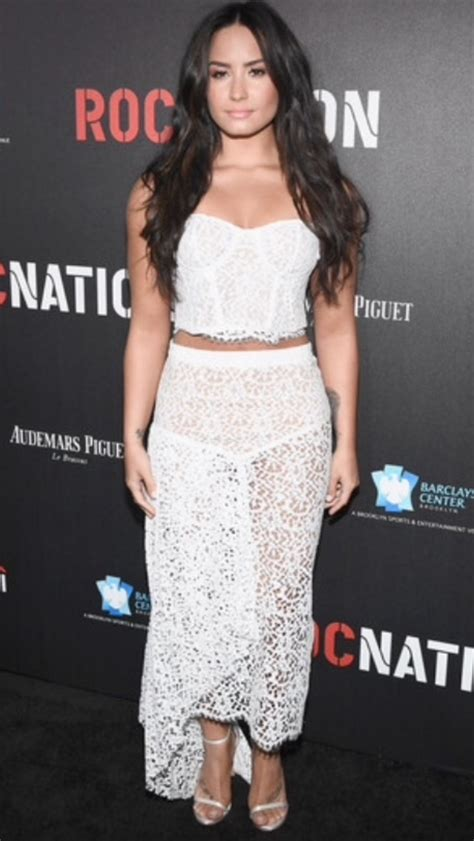 Carpet Demi And Work The Lbd by Demi Lovato Demi Lovato Wiki Fandom Powered By Wikia