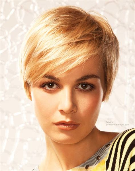 practical and easy care hairstyles for women in their forties practical and manageable short hair cut