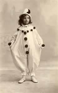 27 hilarious vintage photos of dressed in pierrot