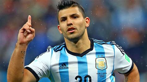 sergio aguero declares himself fit amid injury scare