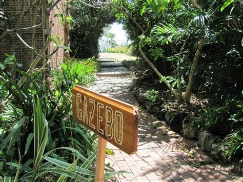 part of the fort picture of key west garden club
