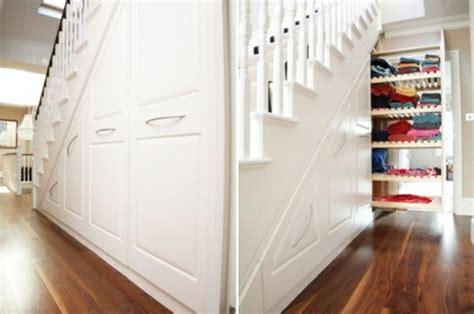 Kleiderschrank Unter Treppe by Sch 246 Ne Praktische Lagerraum Ideen Unter Der Treppe