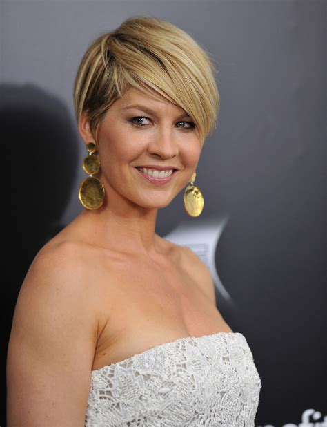 pictures of the back of jenna elfman hair jenna elfman lipgloss jenna elfman looks stylebistro
