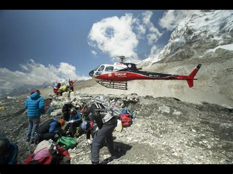 film everest a milano everest film su tragedia degli sherpa mymovies it