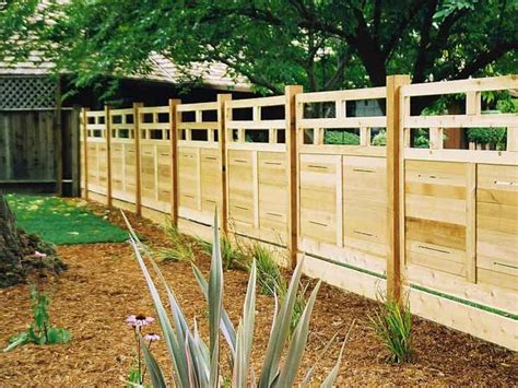 steccato per giardino steccato giardino legno design casa creativa e mobili