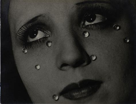 the radical eye modernist photography from the sir elton john collection exhibition at tate