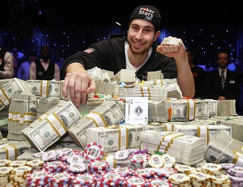 ace guy college dropout scoops  top poker