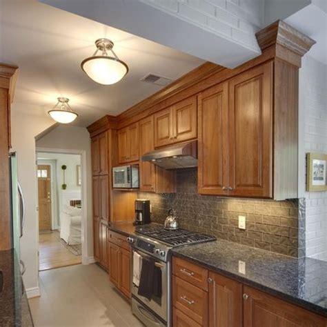 17 best ideas about honey oak cabinets on oak kitchens light oak cabinets and