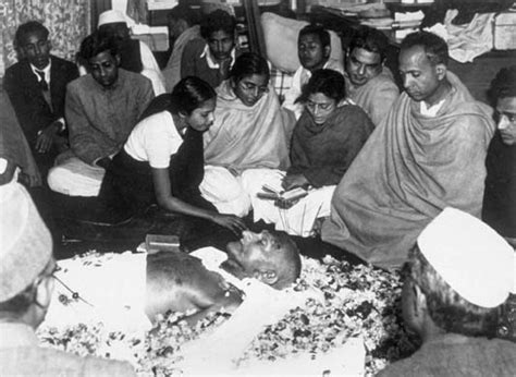 mahatma gandhi funeral cremation e5jcprl4lny remembering gandhi s 63rd anniversary catalyst
