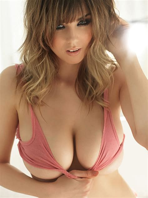 Picture Of Danielle Sharp