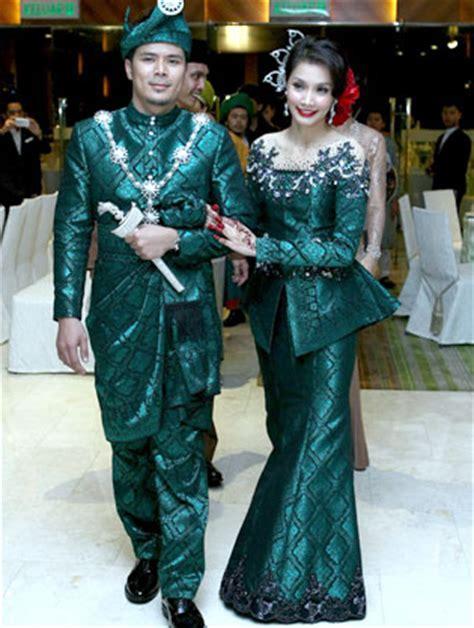 13 Inspirasi Baju Pengantin Tradisional Perkahwinan