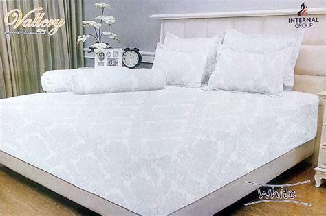 Bed Cover Vallery Purple 180x200 grosir sprei vallery supplier reseller dropship dan retail baju sprei bed cover termurah