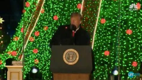 tree lighting ceremony speech strange dot spotted on during tree lighting ceremony conservatives
