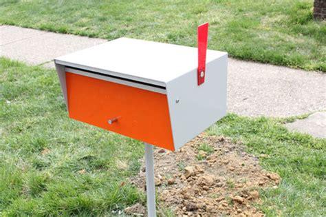 Design Milk Mailbox | installing a modern mailbox design milk