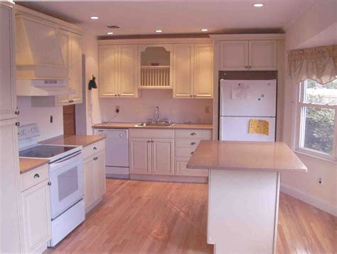 how to select the best kitchen cabinets midcityeast best backsplash for small kitchen considering some ideas
