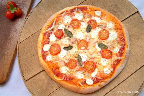 Easy Handmade Pizza Dough - simple pizza dough