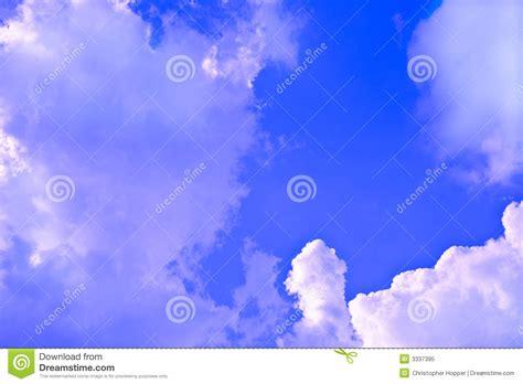 como poner imagenes que se mueven en un video nubes que se mueven con un frente foto de archivo libre de