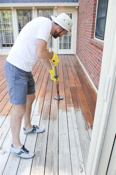 stain  deck homeright stainstick  gap wheel