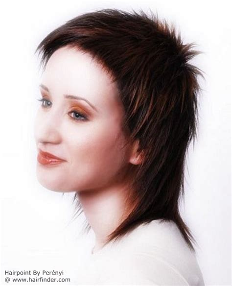 neckline photo of women wth shrt hair haircut with a very short crown and layers covering the