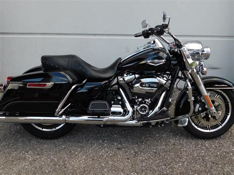Harley Davidson Pre Owned by Pre Owned 2017 Harley Davidson Road King Flhr Touring In