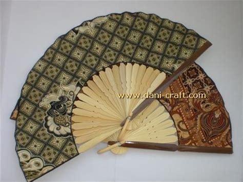 Pulpen Kipas Motif Boneka Imut souvenir dompet wajik dpt 9 souvenir pernikahan