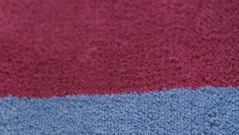 tappeto vibrante tappeto rosso vibrante dettaglio di stile dalani e ora