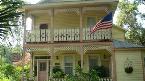cedar key bed and breakfast partial view of dinning area and veranda picture of