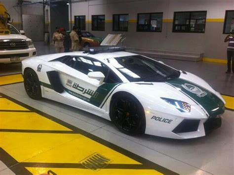 police lamborghini aventador to protect and impress bugatti veyron joining dubai
