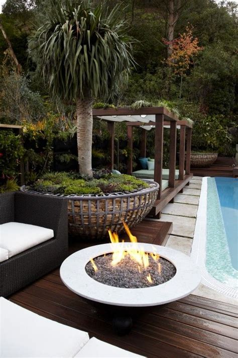 fascinating outdoor fire pits      wow