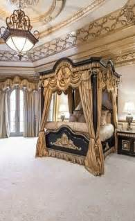 Luxurious Bedroom Share