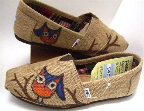 custom painted owl burlap toms shoes painted toms
