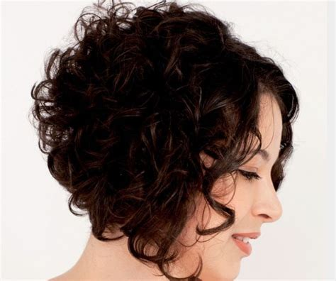 graduated bob for permed hair 21 best images about curly hair on pinterest curly bob