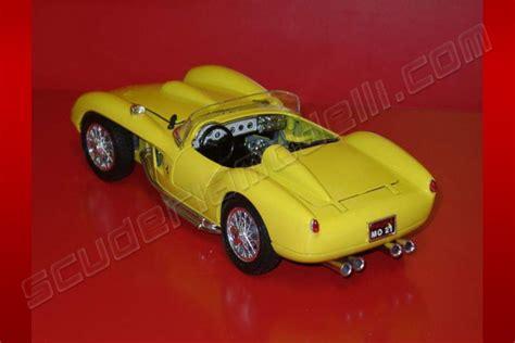 Bburago Fearri 250 Testa Rossa bburago 1957 250 testa rossa yellow de luxe yellow