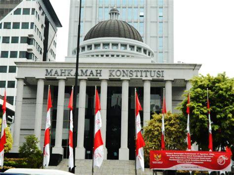 sumber hukum acara mahkamah konstitusi dunia hukum dan