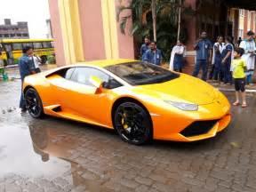 Lamborghini Car Crashes Of Mla In Mumbai Crashes Brand New Lamborghini Into