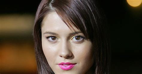 mary elizabeth winstead bra size age weight height latest celebrity news gossip and photos mary