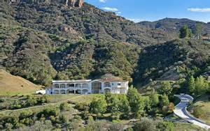 Luxury Mansion Floor Plans 5 9 million mountaintop mansion in agoura hills ca with