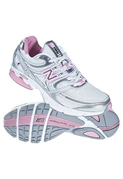athletic nursing shoes new balance lace up for the cure edition womens athletic