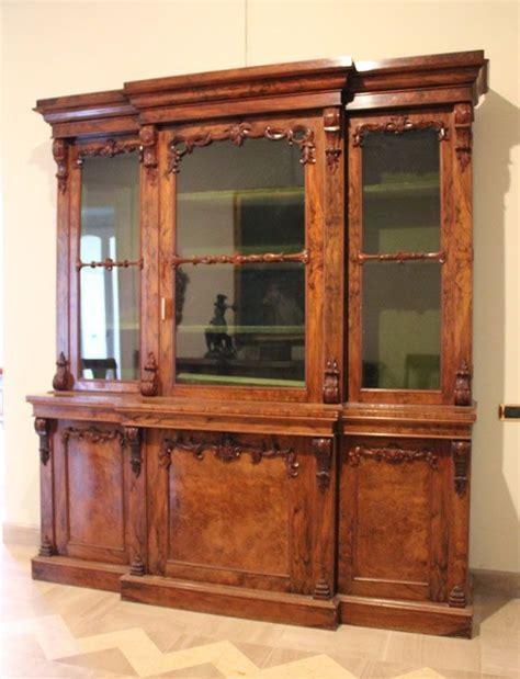 mobili librerie antiche libreria antica a tre ante con vetrina libreria in legno
