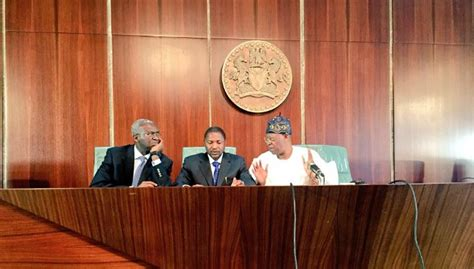 federal bank meeting today fashola explains why dangote cement is getting tax