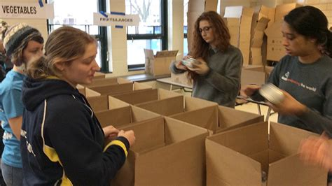 students join local food drive for mlk day mount