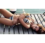 Emilia Clarke Hot In Bikini HD Wallpaper Download