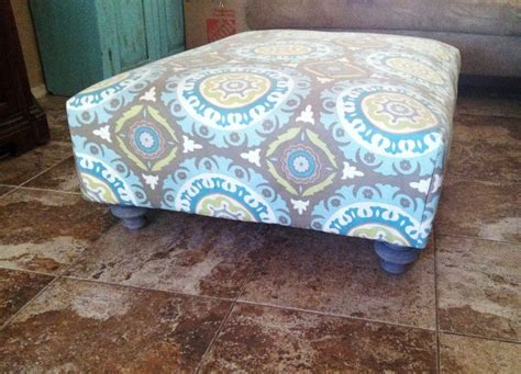 how to cover a ottoman with fabric 25 best ideas about pallet ottoman on pinterest pallet
