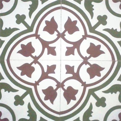 flower design tiles 105 best floral images on pinterest mosaics flooring