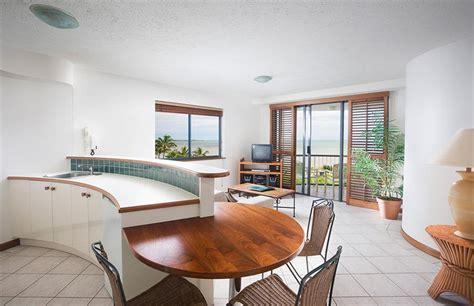 1 bedroom apartment cairns cairns esplanade accommodation overlooking the ocean